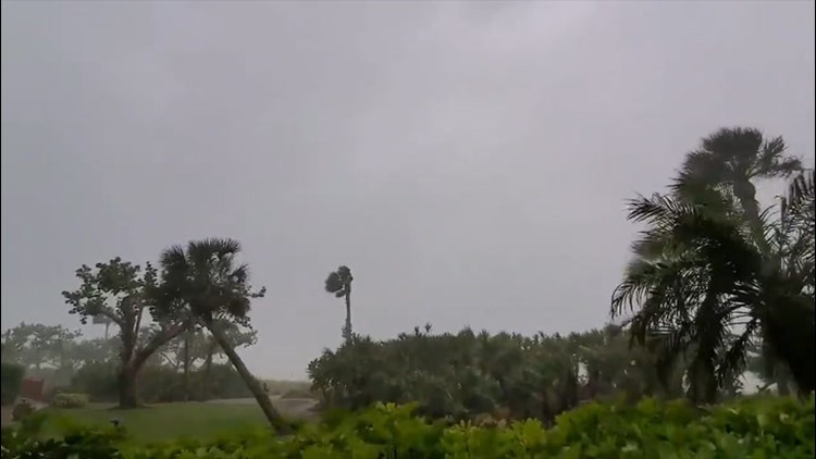 Powerful winds strike Florida as thunderstorms head southeast