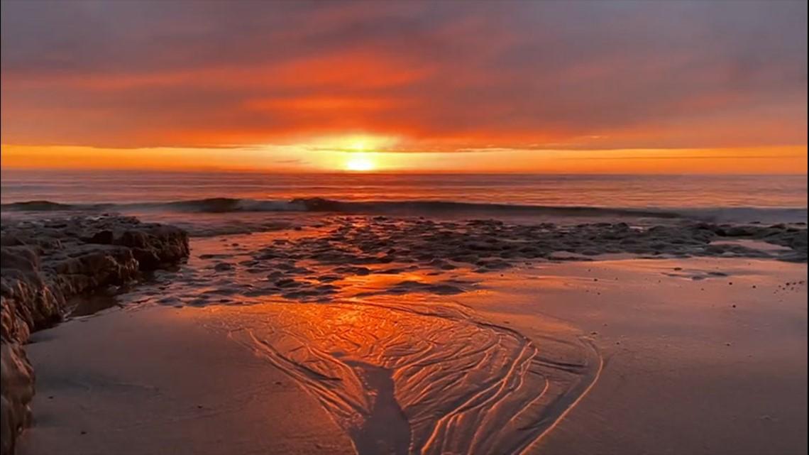 Stunning sunrises mark a beautiful weekend around the US