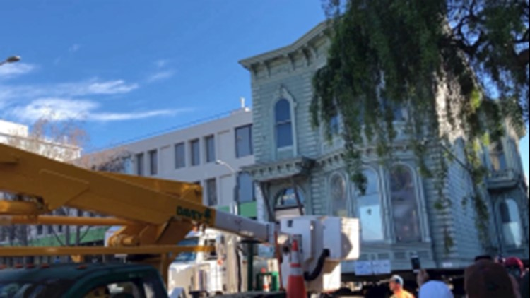 Watch This Victorian-Era House Get Moved in One Piece Through San Fran Streets