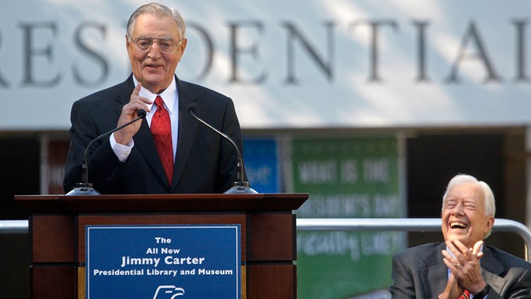 In death, long after loss, Mondale's liberal legacy stands