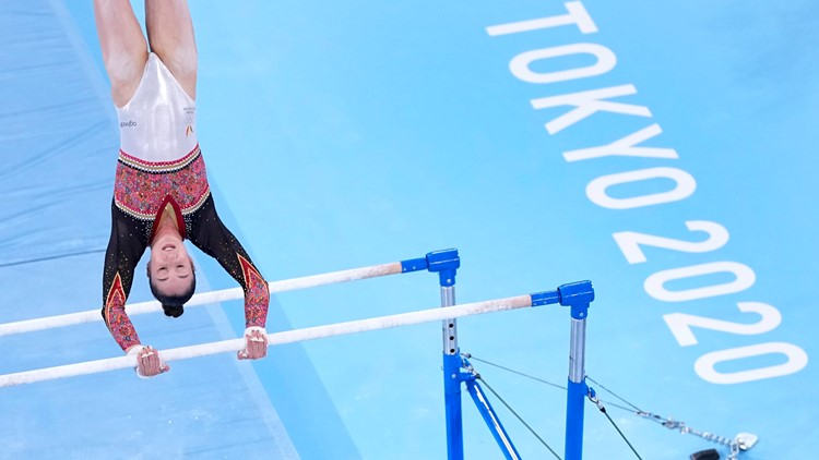 Women's gymnastics: Surprise moments seized on uneven bars, Olympic all-around