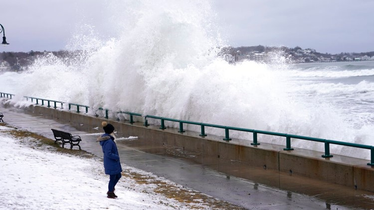 Video: nor'easter causes behemoth waves to lash coastal homes in Massachusetts