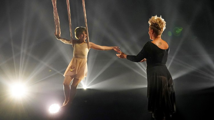 Pink, daughter Willow perform duet while suspended from ropes at Billboard Music Awards