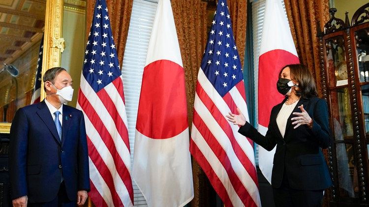 Japan's leader urges strong alliance in White House visit