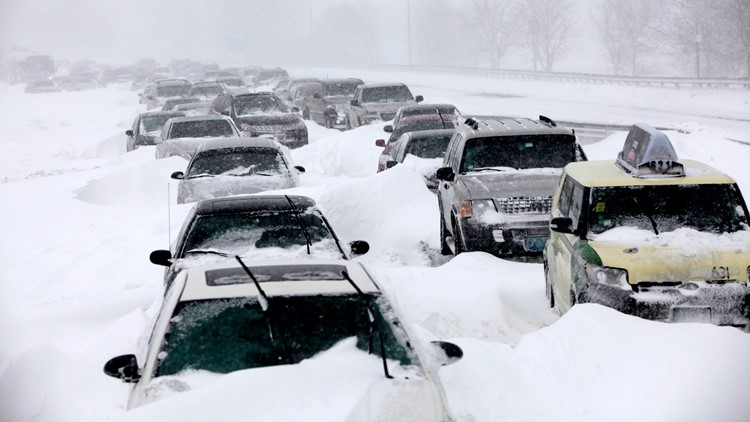 Looking back on a blizzard that stranded thousands of commuters in Chicago