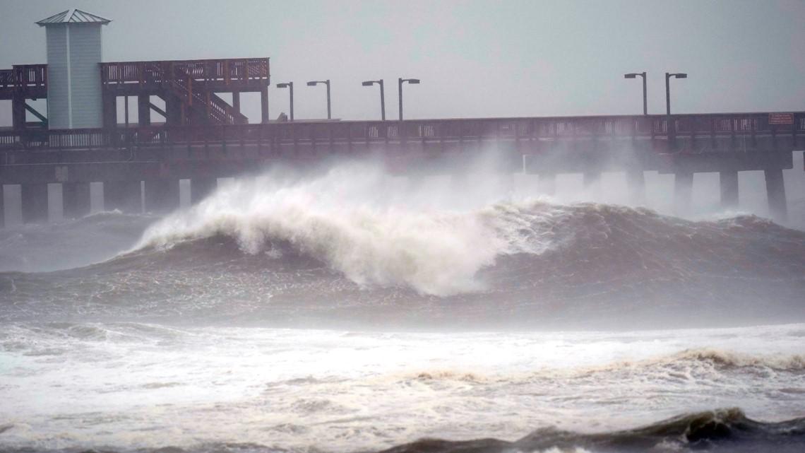 Hurricane Tracker: Sally slows to a crawl toward Gulf ... Hurricane Sally Tracker Noaa