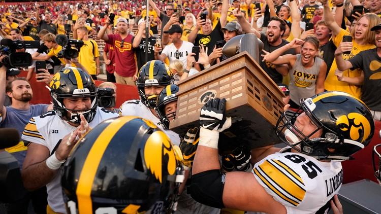 Iowa football moves into No. 5 spot in AP rankings