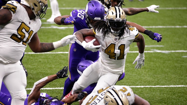 Alvin Kamara's 6 TDs tie NFL record as Saints beat Vikings on Christmas Day