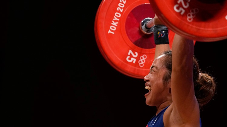 Weightlifter Diaz gets Philippines' first ever gold, no China sweep