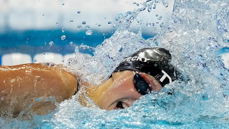 2 for 2: Ledecky wins her shortest, longest races at trials