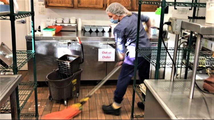 Daughter takes second job washing dishes & mopping floors at Minnesota nursing home to see dad