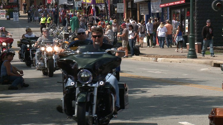 Hotels In Fayetteville Fill Up For Bikes, Blues & BBQ