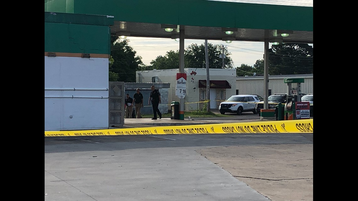 osbi suspect holding clerk hostage shot by responding officer deputy in poteau 5newsonline com suspect holding clerk hostage shot by