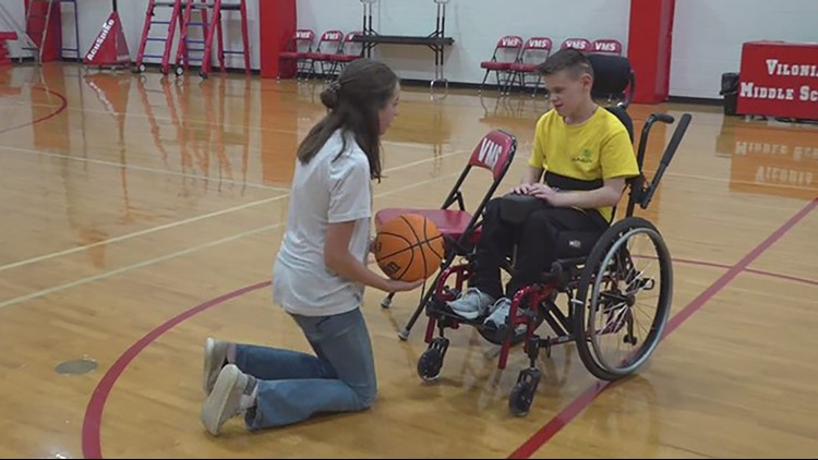 Arkansas student's kindness to special needs classmate goes viral
