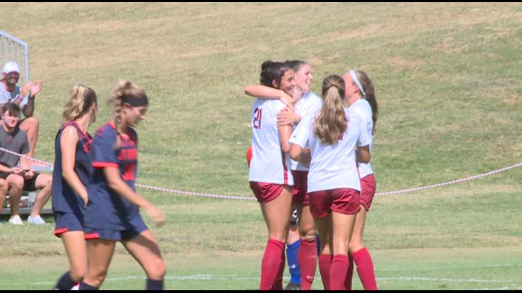 Razorback soccer shuts out UT-Martin 4-0 for sixth straight win