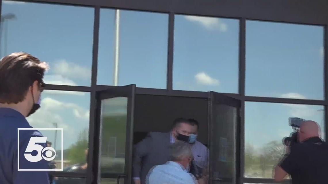 Josh Duggar leaving Washington County jail