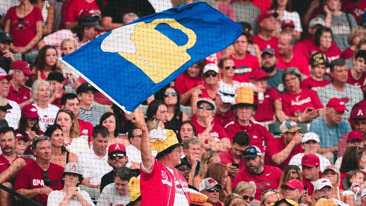 LIVE BLOG: Hogs look to punch ticket to Omaha