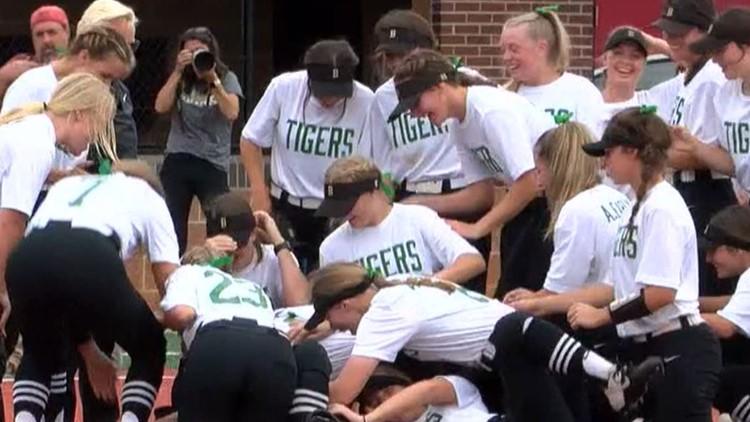 Bentonville softball wins 6A State Championship