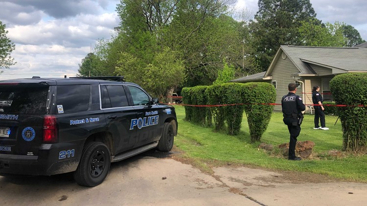 Police: 2 people injured in Fort Smith shooting