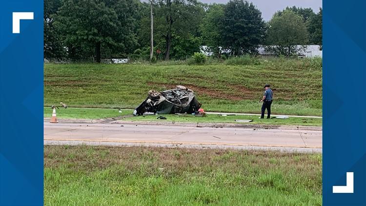 Multiple people transported to hospital after I-49 wreck near Springdale