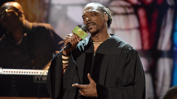 Snoop Dogg performing in Fayetteville for album pre-release party