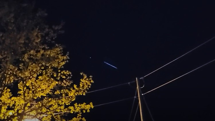 Odd string of lights seen over River Valley: What were they?
