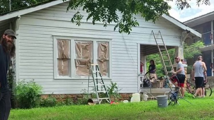 Booneville community comes together to save man's condemned home