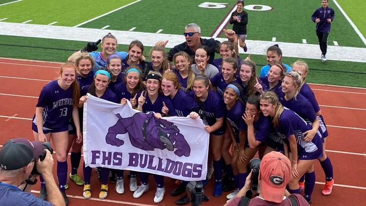 Fayetteville girls cap historic run with state title