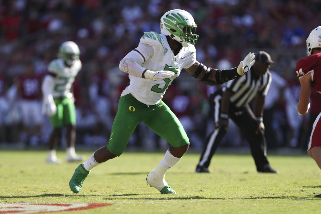 AP Top 25: Oregon drops to No. 8 after loss against Stanford
