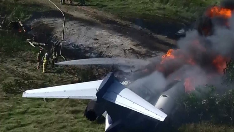 LIVE: Plane headed to Boston crashes outside Houston; no serious injuries reported