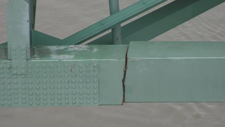I-40 bridge near Memphis closed indefinitely after officials discover a crack during routine inspection