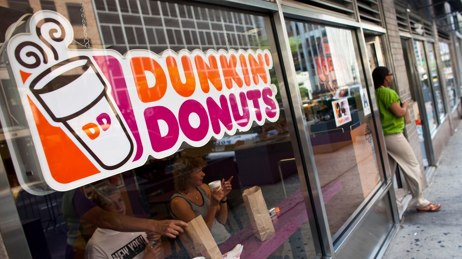 Dunkin Pumpkin Spice Latte, fall menu arrive August 19 ...