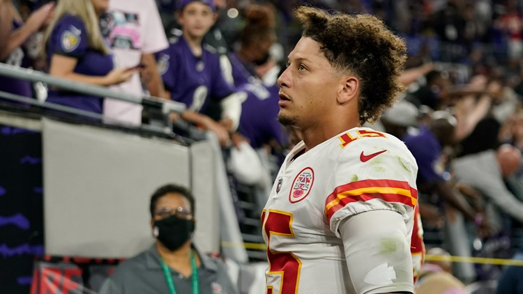 Patrick Mahomes' brother dumped water on Ravens fans taunting him after loss
