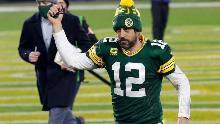 Report: Aaron Rodgers likely to play at least one more year with Packers after agreement