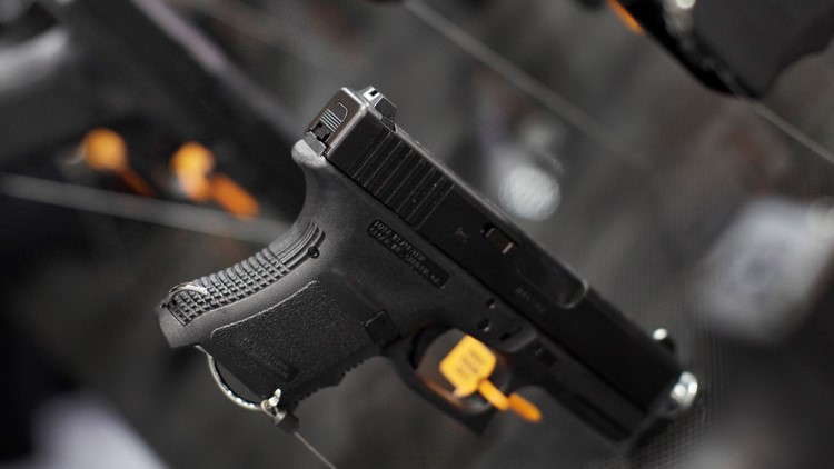 Background checks at gun shows required for licensed dealers, but not private sellers