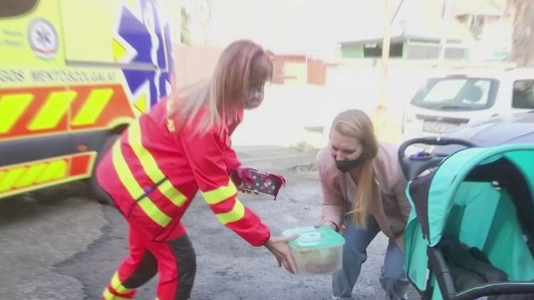 Kind Gesture! Hungarian Ambulance Workers Receive Baked Goods from Citizens