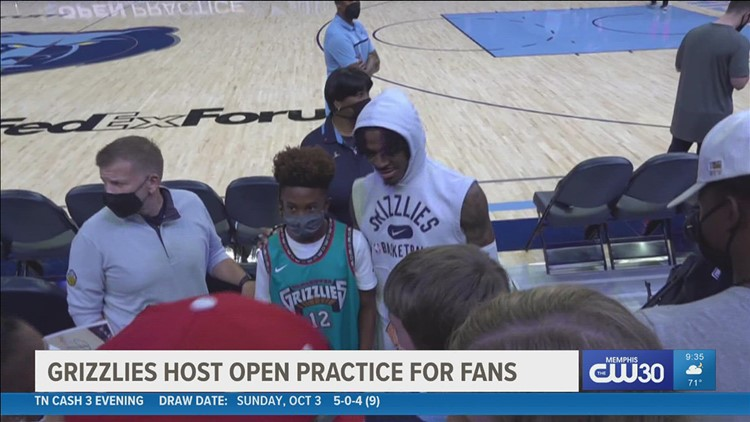Grizzlies host open practice for fans