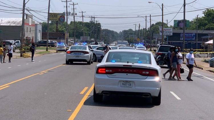 Teenager shot to death in Hyde Park neighborhood
