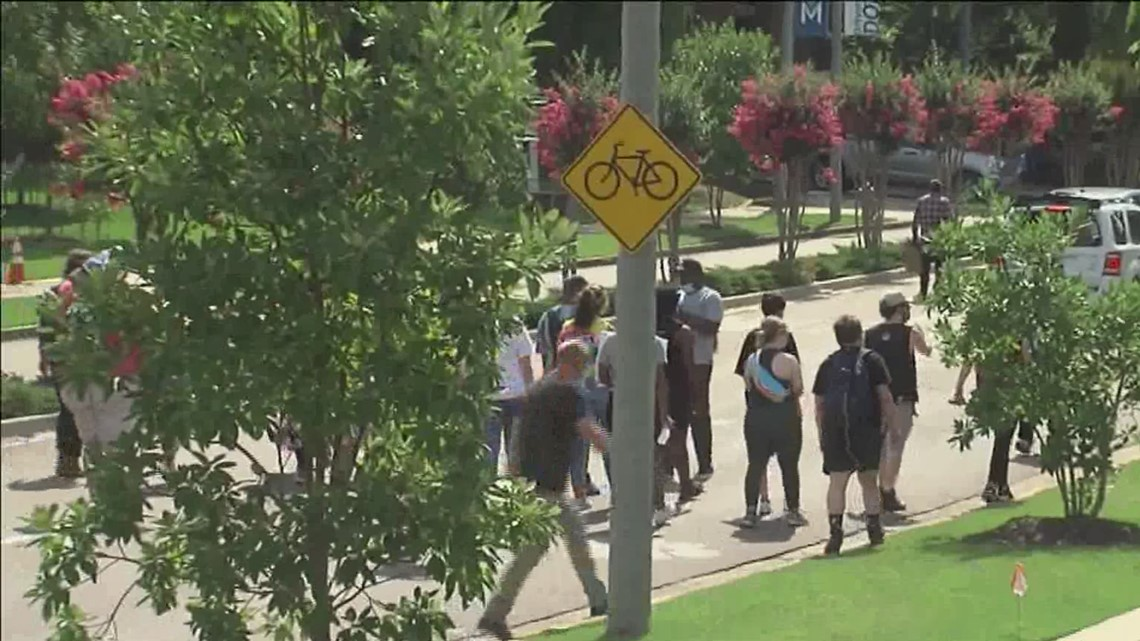 University of Memphis students march in support of police reform