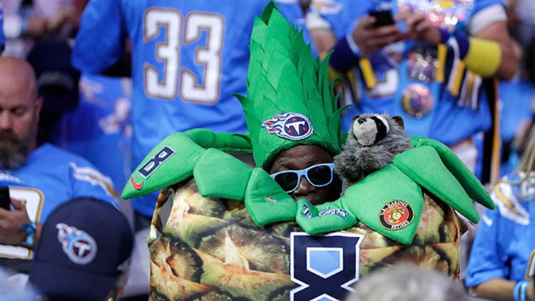 PHOTOS: Best dressed fans of the NFL Draft