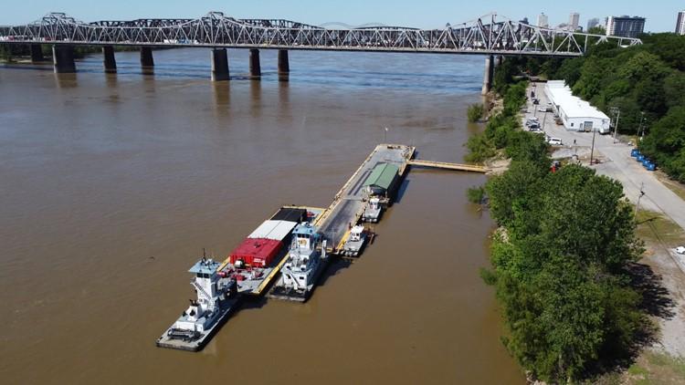 Barges & boats are moving again beneath the I-40 Hernando de Soto bridge in Memphis