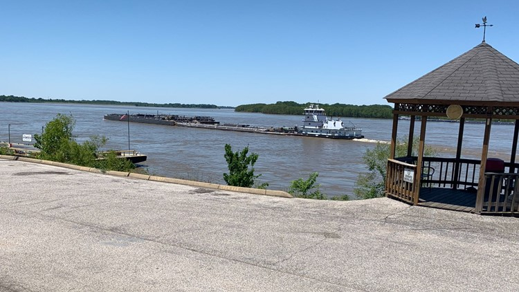 Boats & barges are once again rolling on the river
