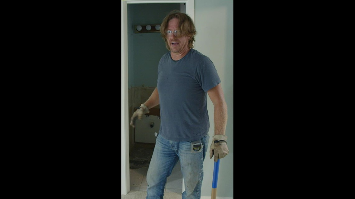 #ChipInForStJude by helping 'Fixer Upper' star Chip Gaines get a haircut