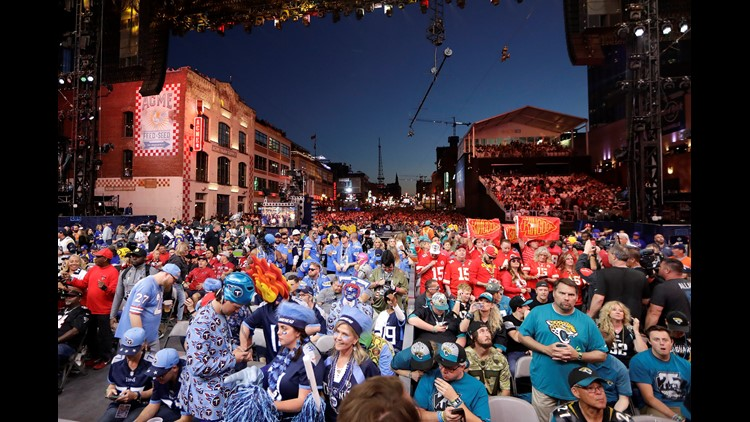 200K people flood downtown Nashville for day 2 of Draft