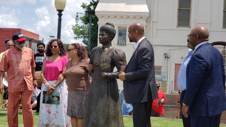Memphis celebrates Civil Rights activist & journalist Ida B. Wells with parade & new statue