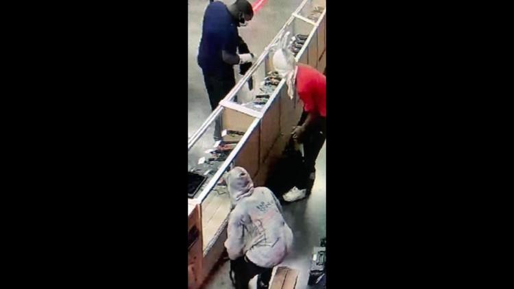 32 firearms stolen from Memphis gun shop, $10,000 reward offered