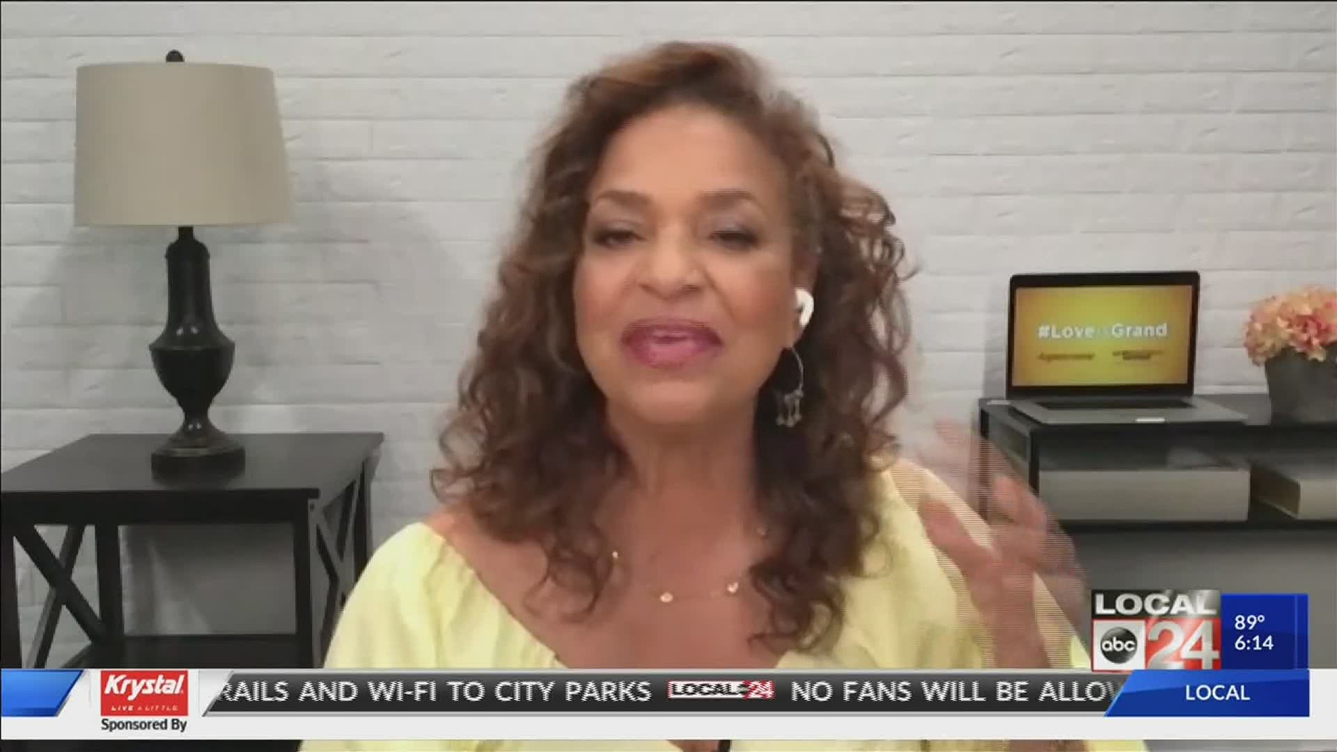 Debbie Allen Shows What It Means To Be A Modern Day Grandparent Localmemphis Com