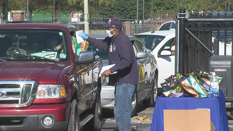 Memphis VA Center hands out grab bags to veterans at new location