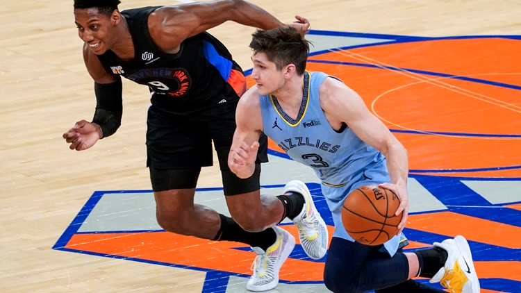 Grizzlies let a win slip through their fingers, losing to the Knicks on the road