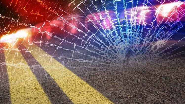 Man dead after walking into lane on Memphis interstate